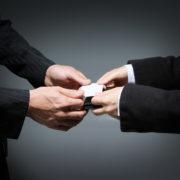 弁護士から紹介料をもらうマッチングビジネスは違法?非弁提携にご用心